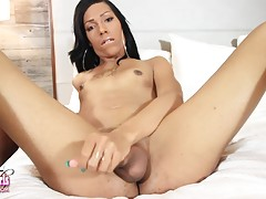 Christien The Vixen is a beautiful tgirl with a sexy slim body, small hormone breasts, a superb ass and a delicious hard cock! Watch this sexy transgirl jacking her hard cock!