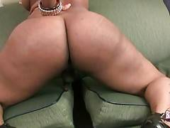 Big Bottomed T-Ebony Shows All Her Charms 2